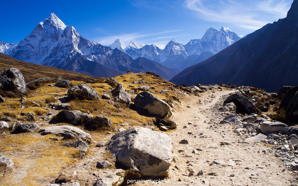 Path to mountain range on the way to Everest.